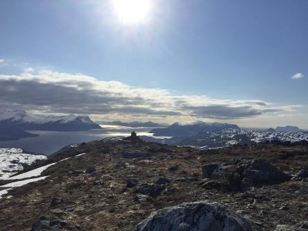 View towards Hareidlandet