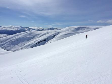A wonderful hill for ski-descent