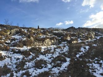Crossing between two ridges