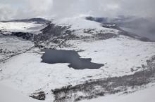 Løsetvatnet and Løkeberget