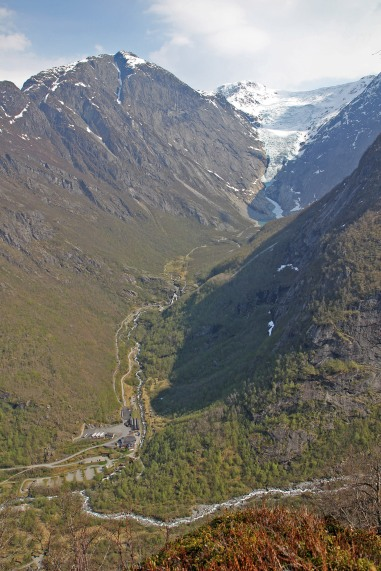 The road to Briksdalsbreen glacier
