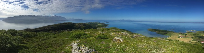 Ravnfloget summit view (2/3)