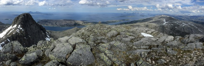 Summit panorama (3/3)