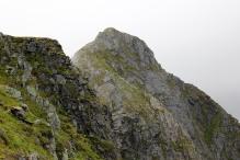 Midtre Raudfonndalstind looks steep from here