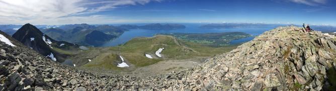 Ytstetinden summit view (1/3)