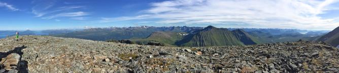 Ytstetinden summit view (2/3)
