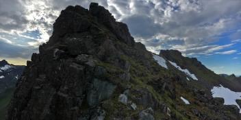 Ridge detail (looking back)