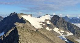 The Vellesæterhornet massif