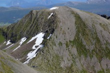 We descended this ridge from Remmemstinden
