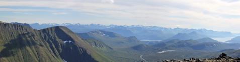 Sunnmørsalpane seen from Remmemstinden