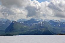 Peaks across Honndalen