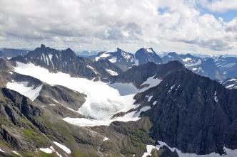 Brekketind - Geithornet massif