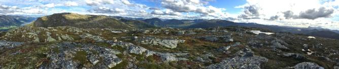 Halvgjerda summit view (2/4)