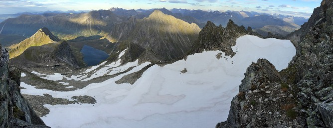 The glacier below Saudehornet