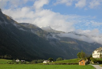 Heimstagretta seen from Mundal