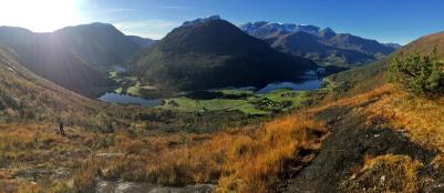 View down to Langvatn