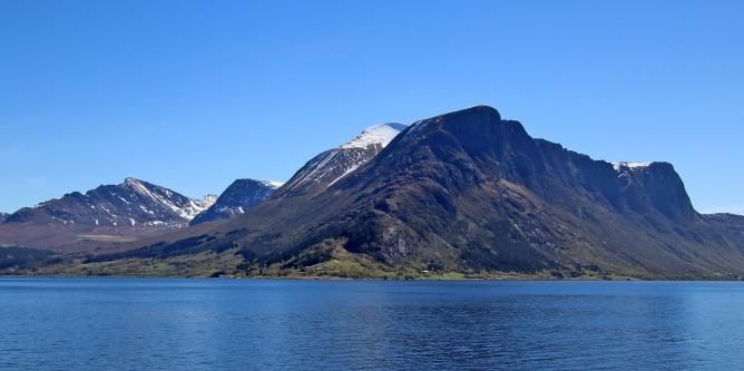 Sandegga (center) seen from the ferry
