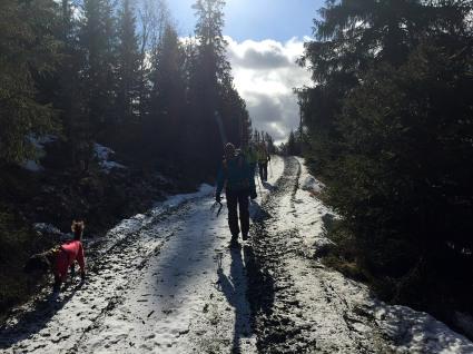On foot to Leinsætrin