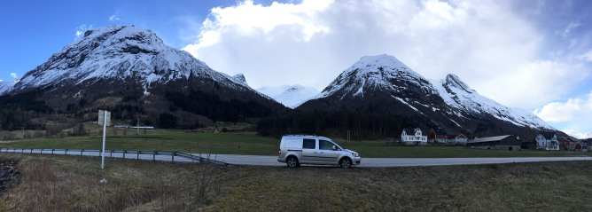 A quick stop in Oppstryn