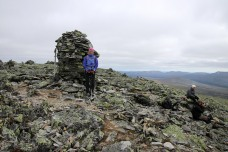 At the 1614m viewpoint cairn