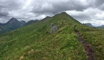 The ridge to Grøthornet
