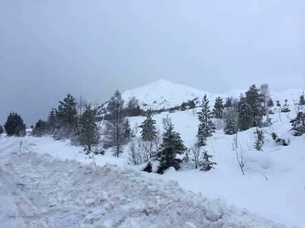 Røddalshorn seen from the road (Summit beyond)