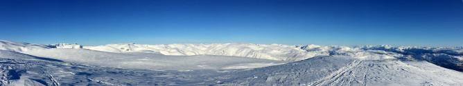 Cairn top Iphone panorama (2/2)