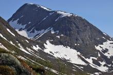 I considered Seljesetskaret but chose the ridge instead