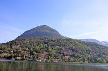 Åsenakken seen from Hellesylt