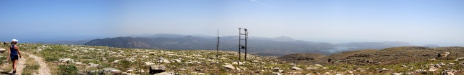 Wide angle view from the summit (2/2)