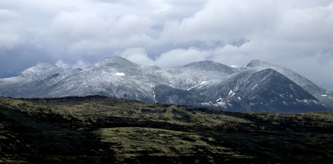 Rondane peaks with fresh snow