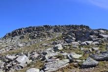 Towards the rocky plateau