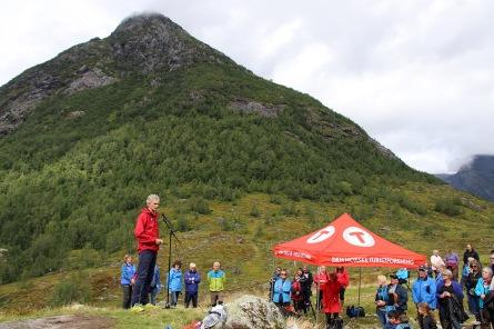 Nils Øverås