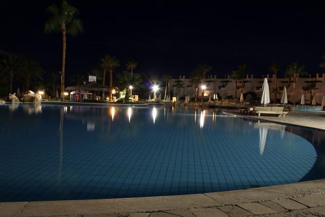 Pool view (III)