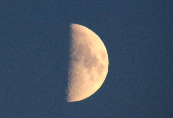 Moon view (II)
