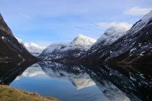 Sygnesandnipa (center) and Kjøsnesfjorden