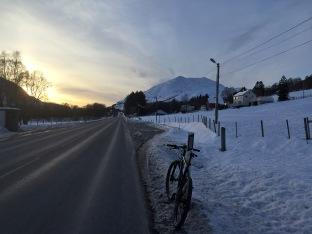 On bike to retrieve the car at Leikongsætra