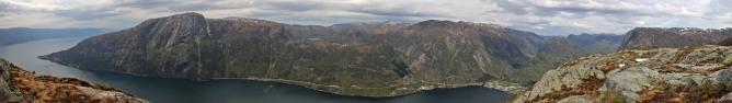 Vadheimsfjorden panorama