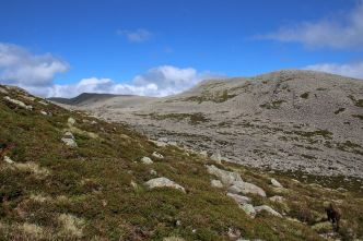 Skudalsnipa ahead. And a sea of rocks