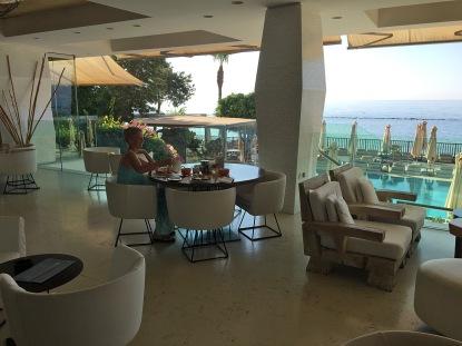 Breakfast at Hotel Londa