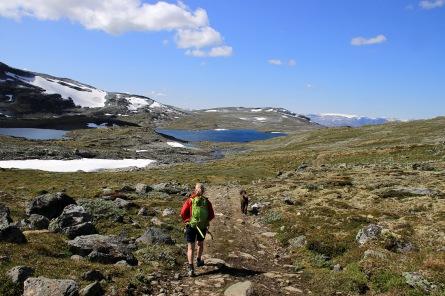 Towards lake 1276