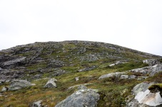 Steep descent from Blyfjellet