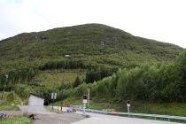 The trailhead in front of Rotsethorntunnelen