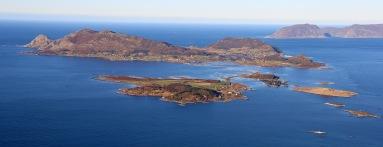Sandsøya and Voksa islands